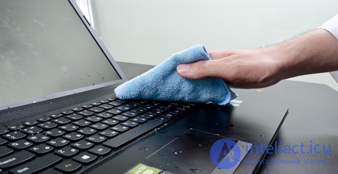 Разлил воду на ноутбук что делать